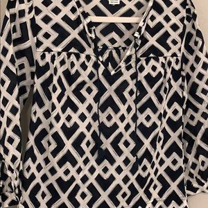 Vineyard Vines lattice blouse